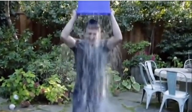 2014-10-zuckerberg-ice-bucket-x-large20copy