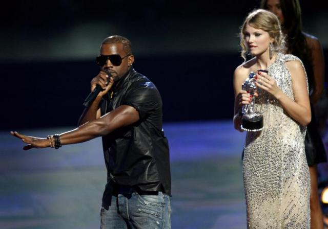 kanye-west-and-taylor-swift-2009-vmas